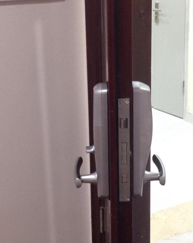 Giới thiệu khóa vân tay cho cửa nhôm kính xingfa và cửa nhựa lõi thép uPVC