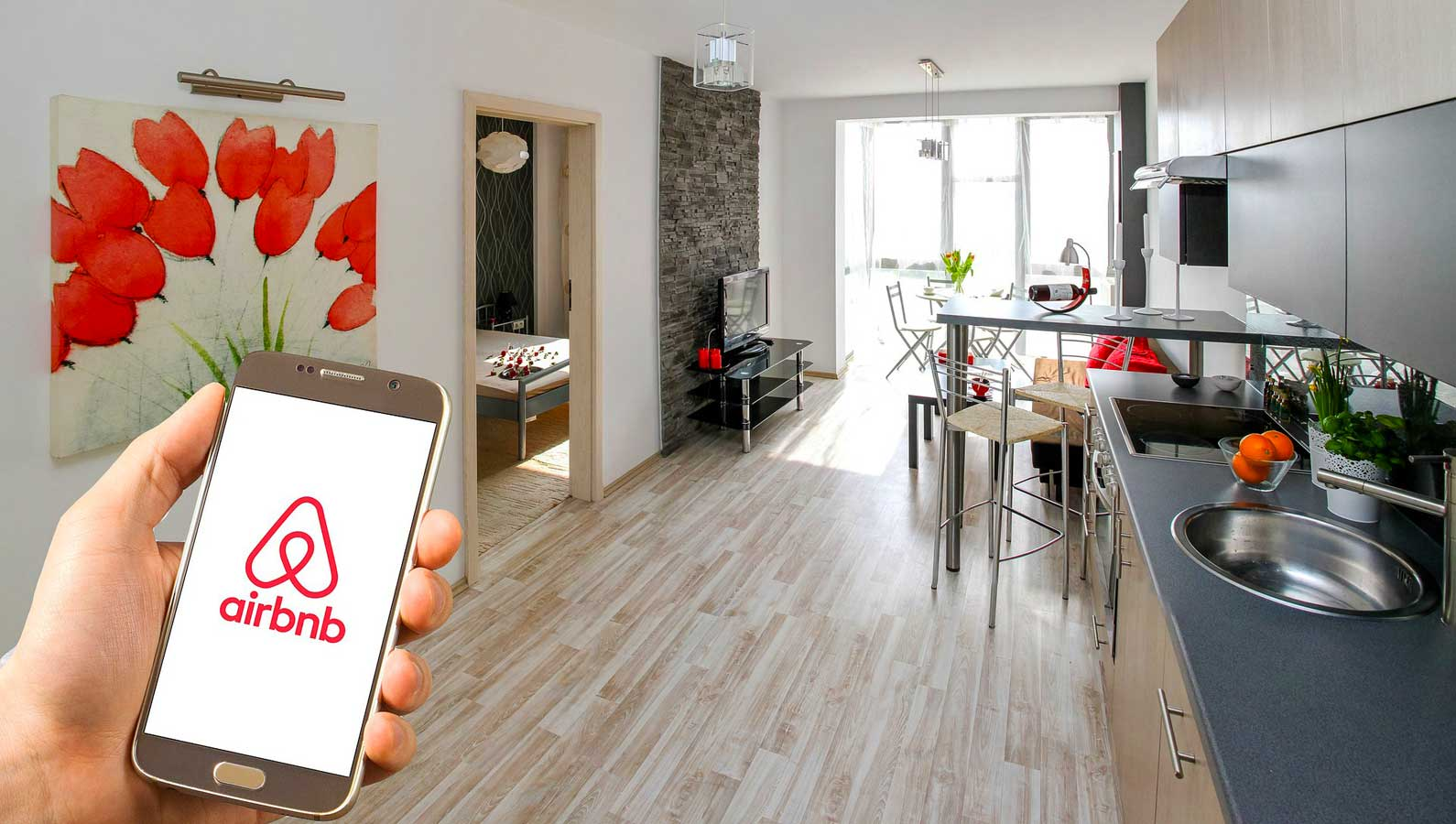 Khóa cửa Airbnb là gì?
