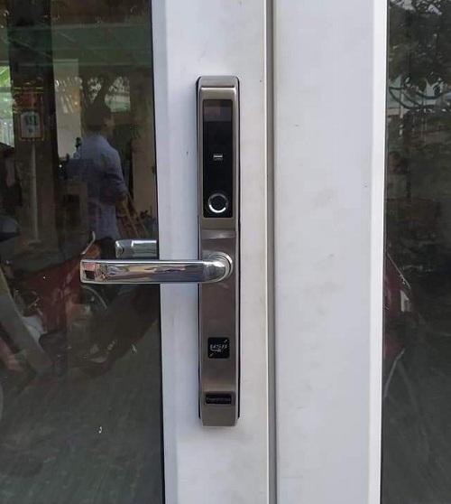 Các mẫu khóa cửa nhôm vân tay xingfa cao cấp