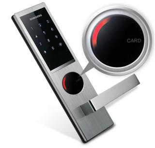 Trực quan di chuyển LED, Thiết lập và Vô hiệu hóa tính năng âm thanh: Khi khóa cửa hoạt động đúng, một màu đỏ ánh sáng LED tại các trung tâm của các nhấp nháy khóa cửa trong một mẫu hình tròn để ra hiệu cho các chủ sở hữu tư cách hoạt động đầy đủ của nó.  Ngoài ra, đầu vào mật khẩu và âm thanh mở cửa có thể dễ dàng điều chỉnh cho phù hợp với nhu cầu của môi trường của một người.