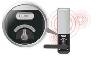 An toàn hơn trong trường hợp khẩn cấp!  An ninh đảm bảo, Samsung Digital Door Lock: Samsung Digital Door Lock thu được lớp đặc biệt trong tất cả các bài kiểm tra an toàn và chứng nhận chất lượng chống sốc điện, sức mạnh và phòng chống cháy nổ.  Với một thiết kế mạch tiên tiến cho phép các sản phẩm chịu được dâng điện điện áp cao, an toàn được tăng cường.  Ngoài ra, khi nhiệt độ Celsius 60 độ và hơn được phát hiện bên trong nơi cư trú, các báo sẽ âm thanh và các ổ khóa cửa sẽ tự động mở.  Với tính năng mở nhãn, cánh cửa có thể được mở bằng tay nếu một sự cố điện xảy ra.