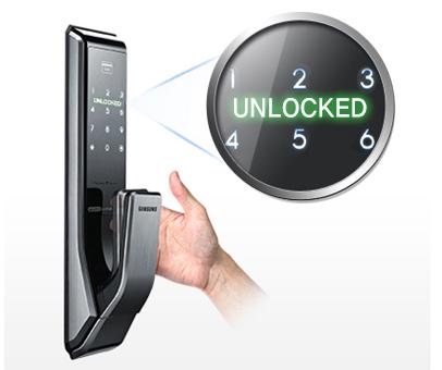 Khóa Tính năng thông báo: Các dock cửa tự động thông báo tình trạng của họ trên bảng điều khiển cảm ứng, hiển thị những thông điệp như 'đã bị khoá' và 'mở khóa', có thêm giá trị cho những kinh nghiệm sử dụng hàng ngày.